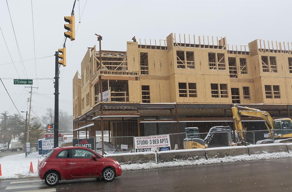 bloomington-apartments-Gateway-building4